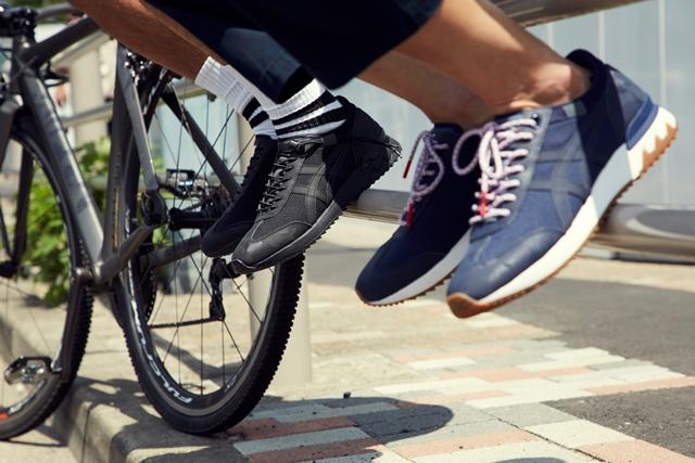 """Produk yang dijual kali ini merupakan sepatu kolaborasi pertama dengan  """"narifuri"""" yang mengembangkan pakaian bersepeda 3a281600b6"""